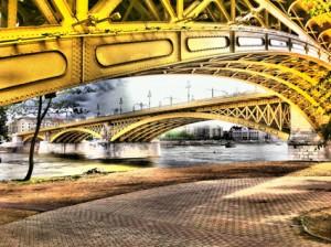 Budapest Property - Margaret bridge